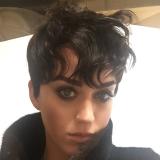 Katy Perry kort koppie