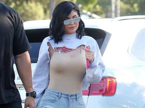 Kylie Jenner boobies