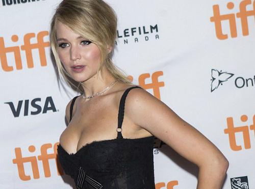 Jennifer Lawrence korset