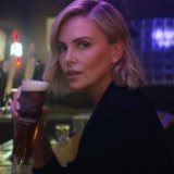Charlize Theron bier