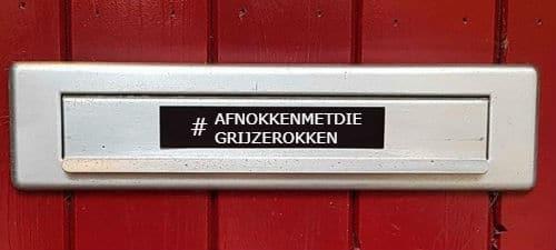#AfnokkenMetDieGrijzeRokken