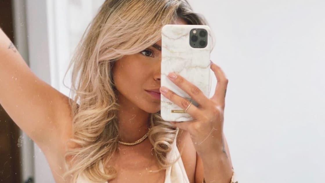 Monica Geuze selfie Sociale Schoonheden