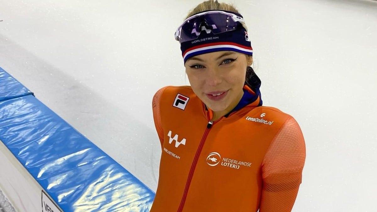 Jutta leerdam nieuw pak schaatsen schaatspak team worldstream oranje