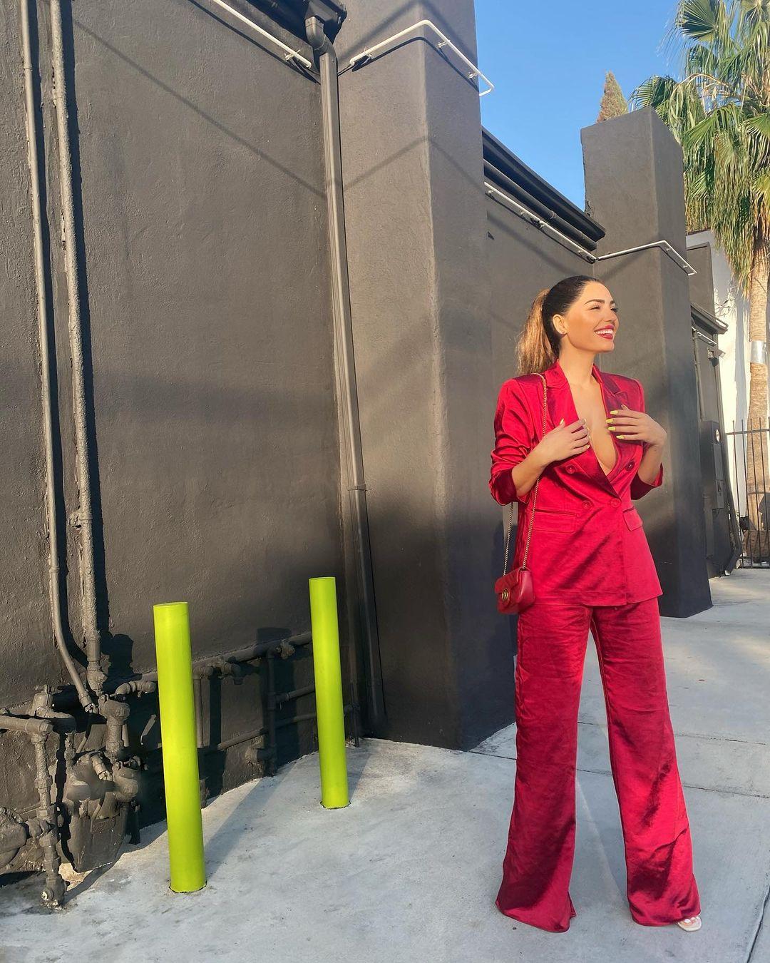 Yolanthe Cabau valentijnsdag jasje rood