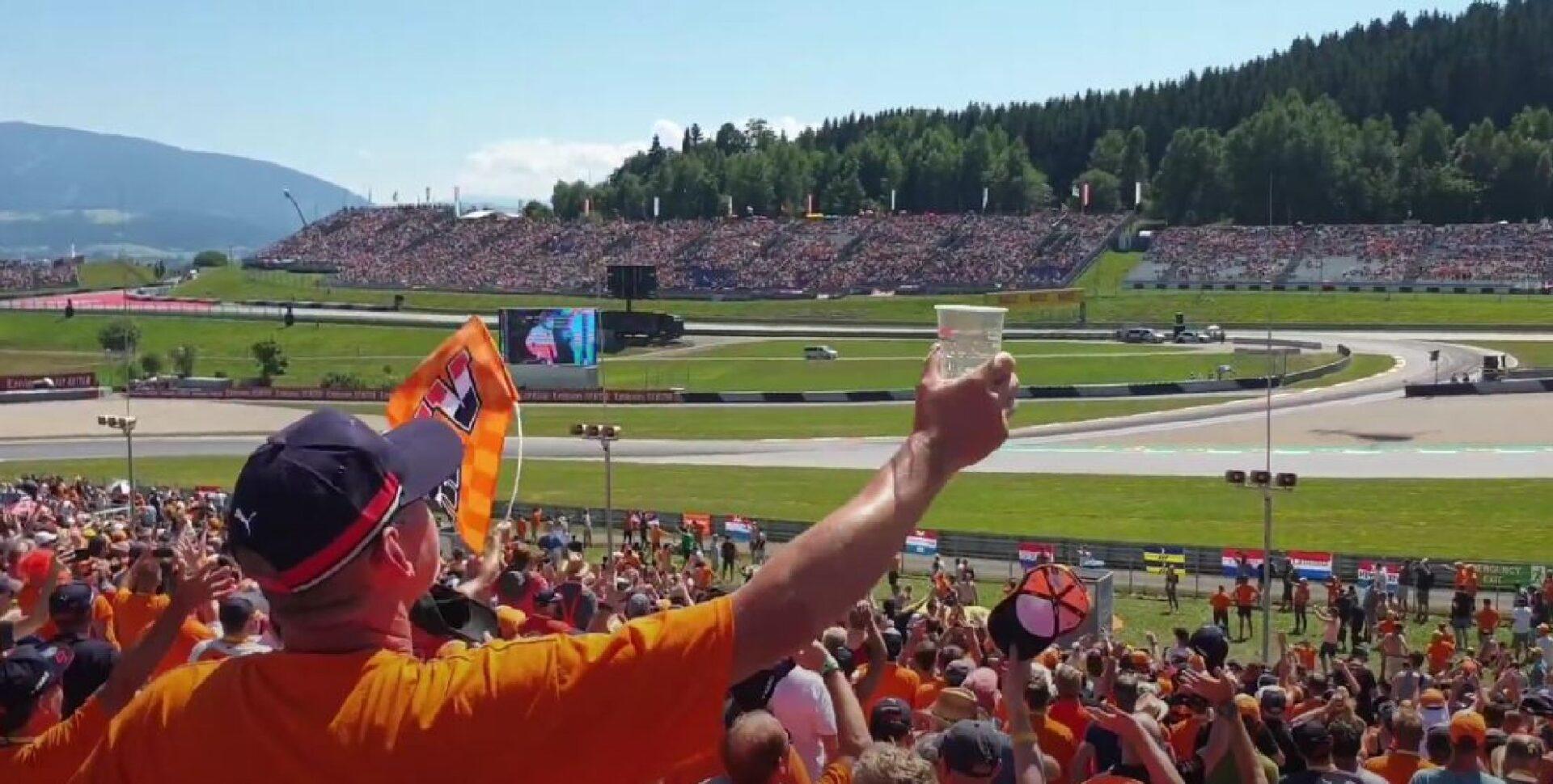 Formule 1 F1 GP Oostenrijk met publiek Oranje fans tribune Max Verstappen Red Bull