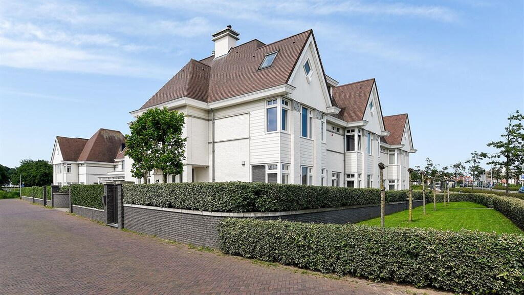 Nieuwe villa Maxime Meiland